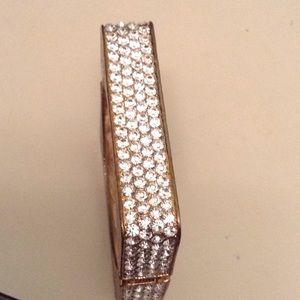 Gorgeous crystal hinge bracelet